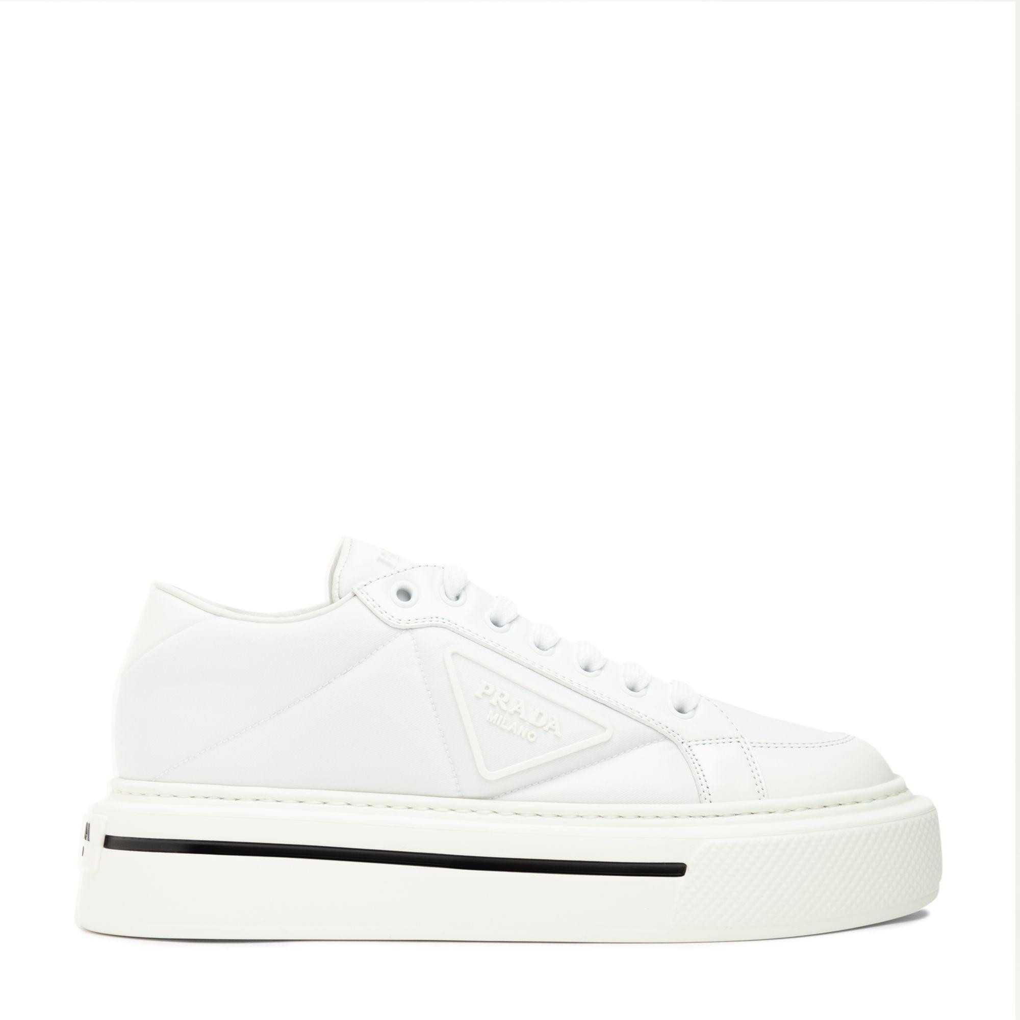 حذاء ماكرو الرياضي