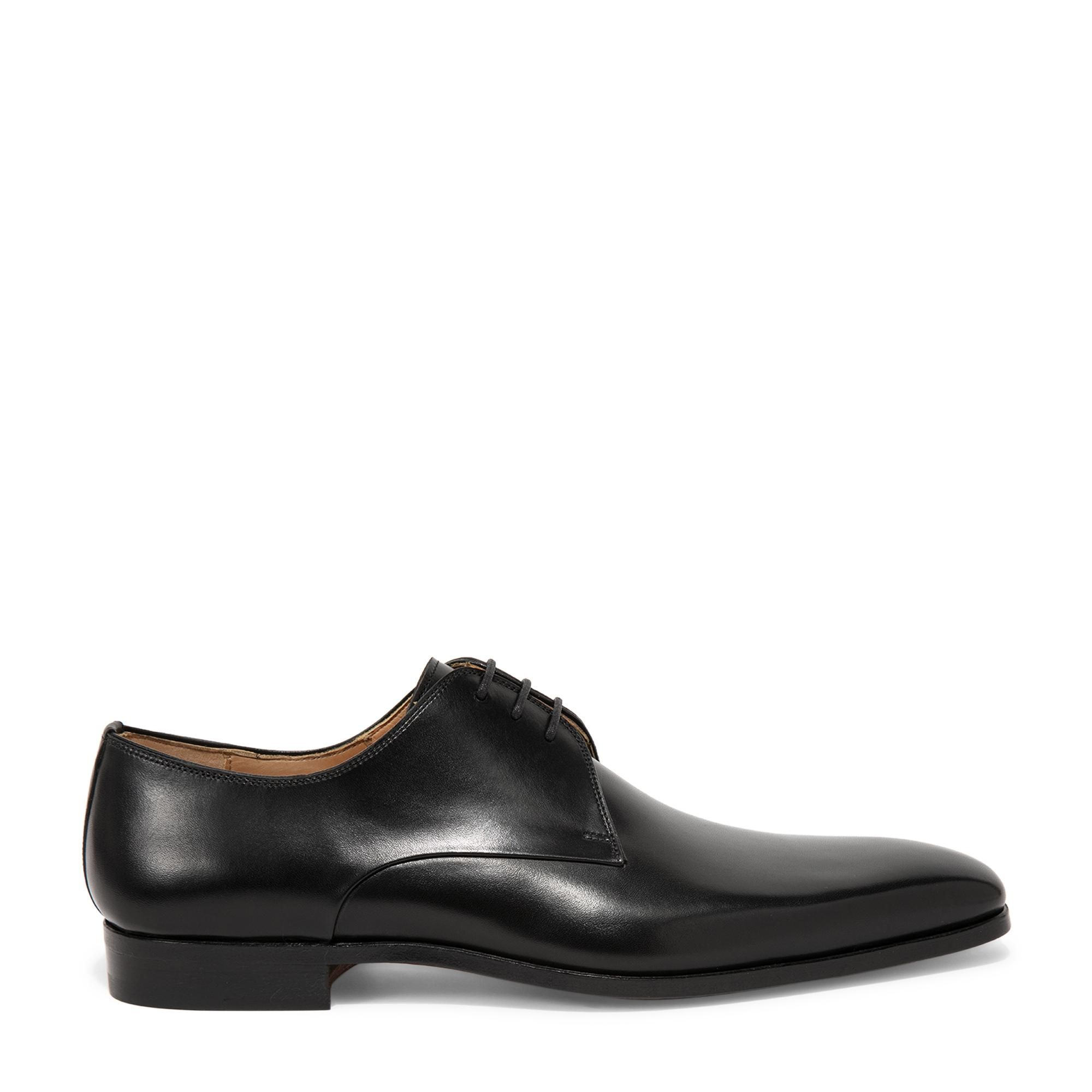 حذاء مزود بالأربطة بطراز ديربي