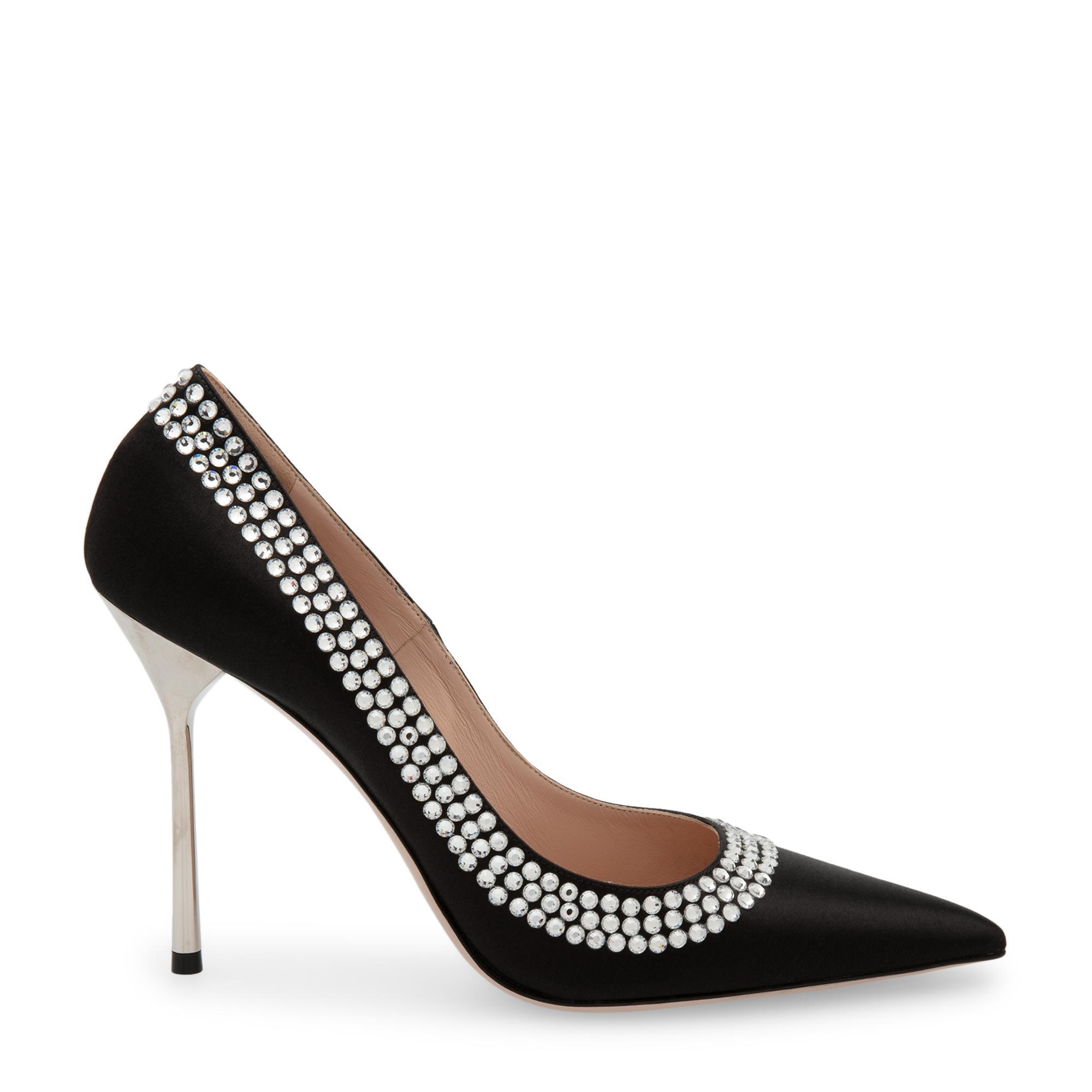 حذاء عالٍ من الساتان مزين بالكريستال