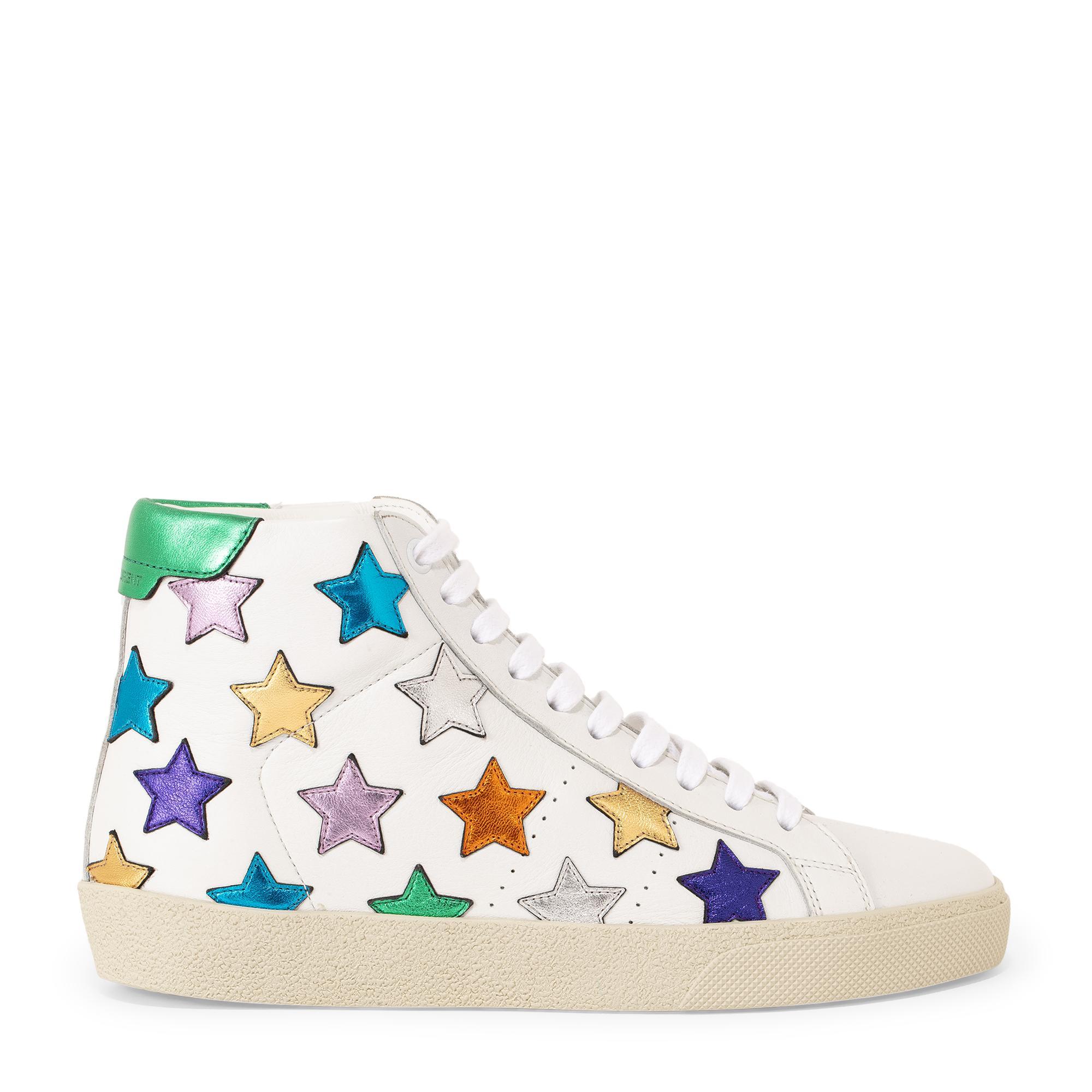 """الحذاء الرياضي """"إس إل06"""""""