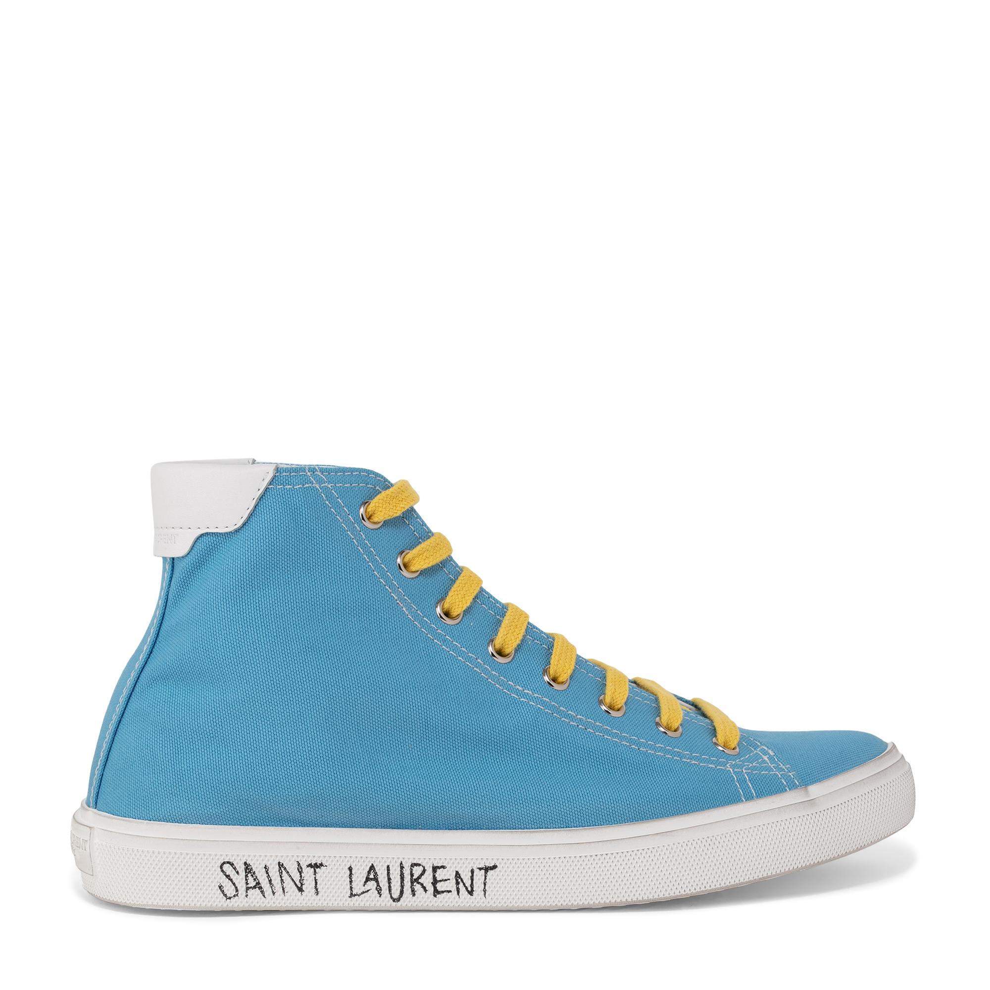 """حذاء """"ماليبو"""" الرياضي بتصميم القصّة متوسّطة العلو"""