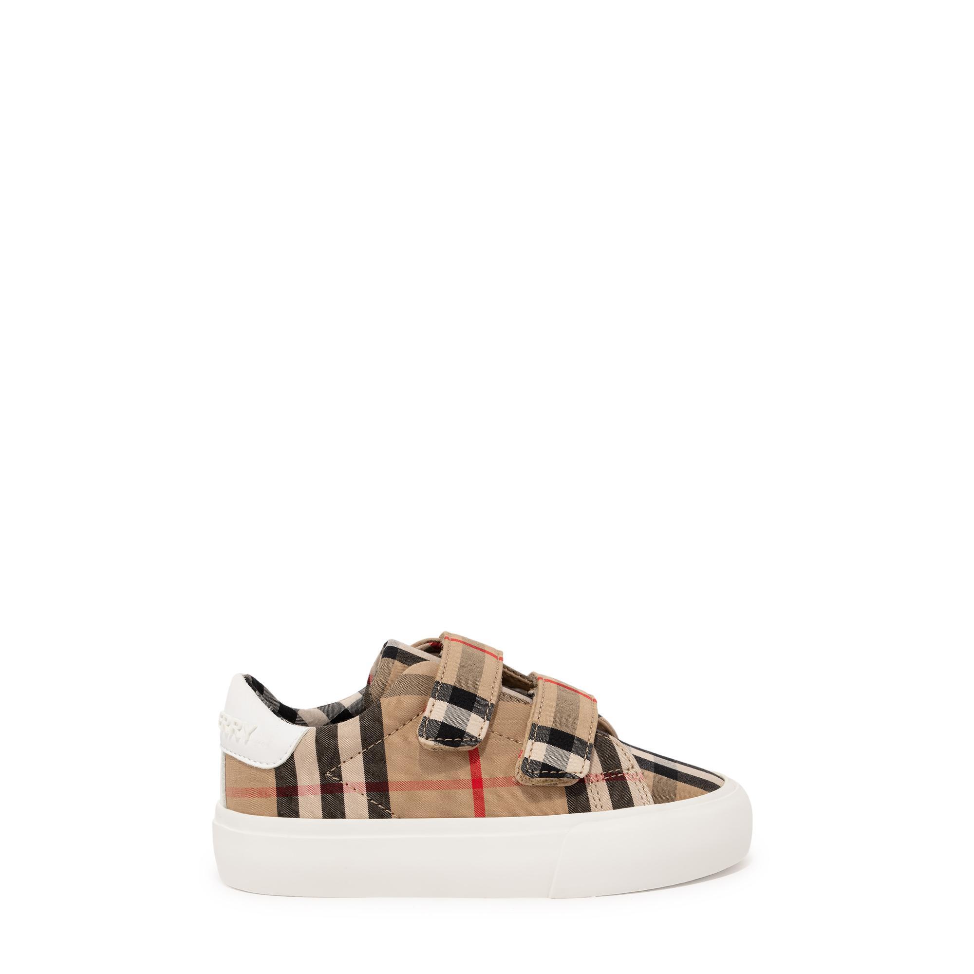 """الحذاء الرياضي """"ميني ماركام"""""""