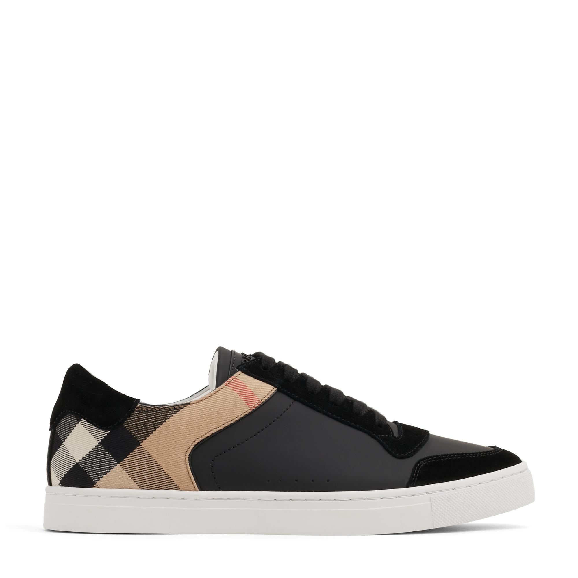 حذاء رياضي بالقصّة المنخفضة من الجلد ونقش مربعات الدار