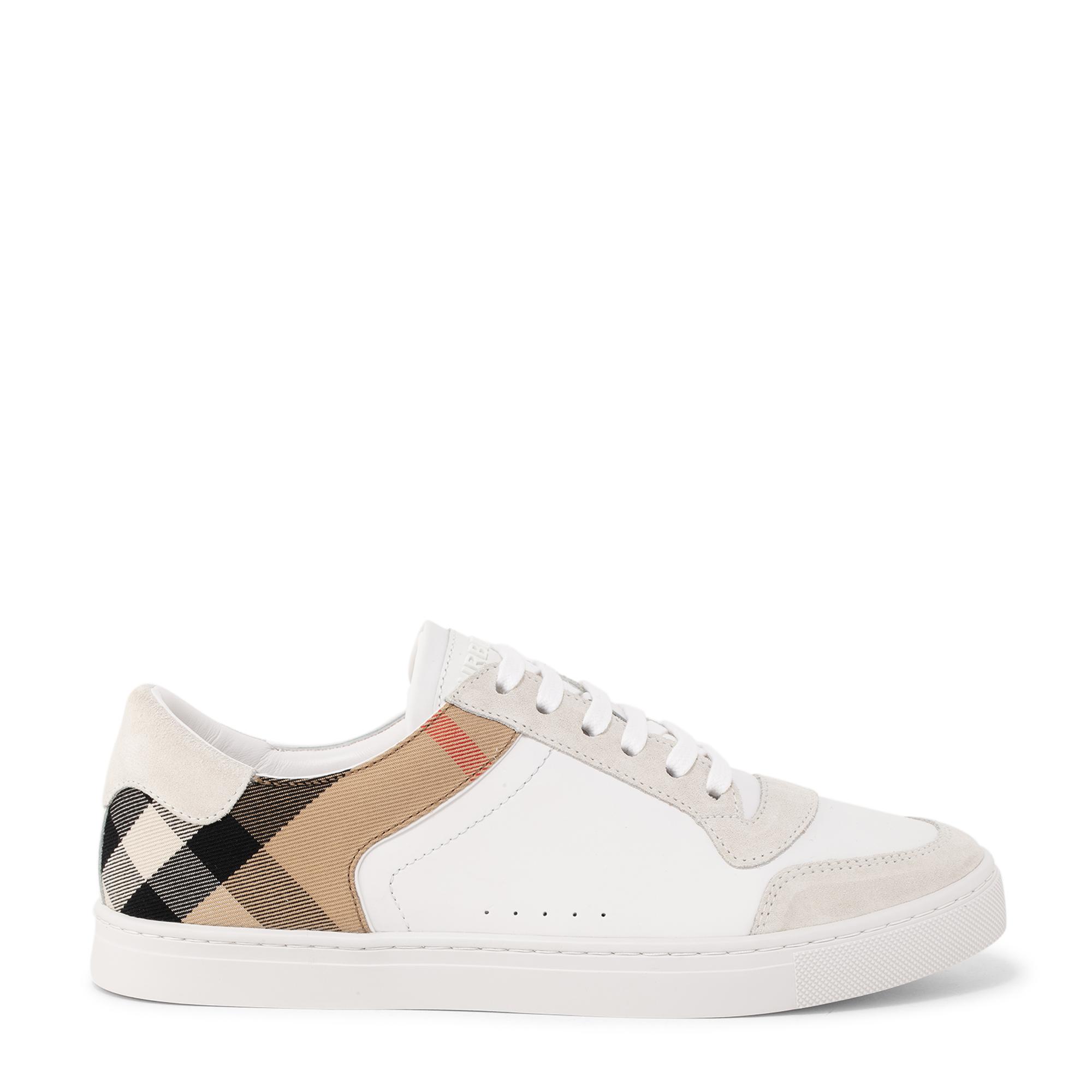 حذاء ريث الرياضي