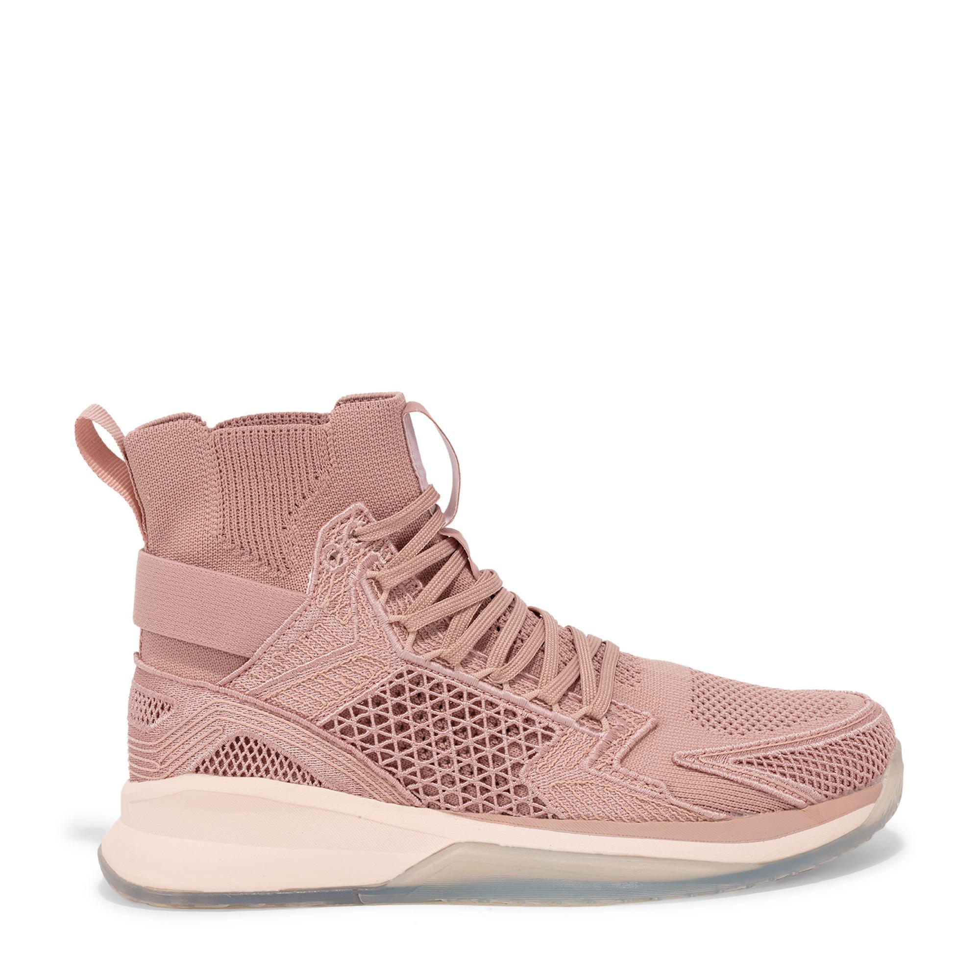"""حذاء """"كونسيبت إكس"""" الرياضي"""