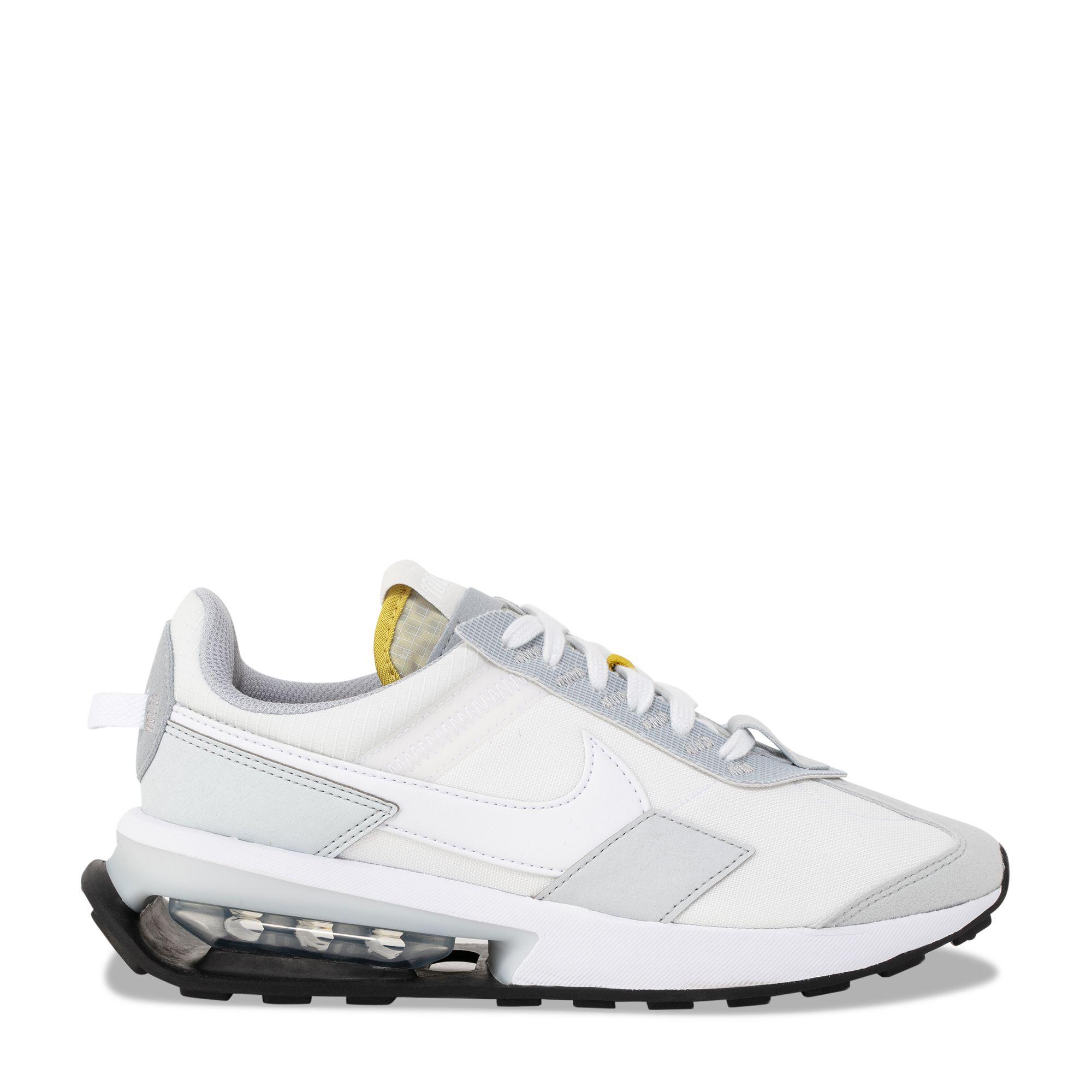 حذاء إير ماكس بري-داي الرياضي باللون الأبيض
